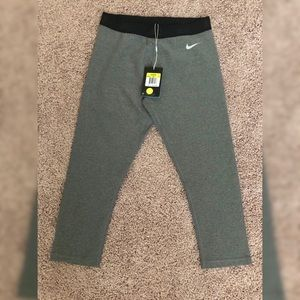 NWT Nike Golf Cropped/Capris tights size S gray